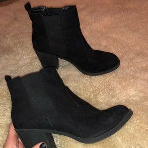 Chunky heel black chelsea style booties